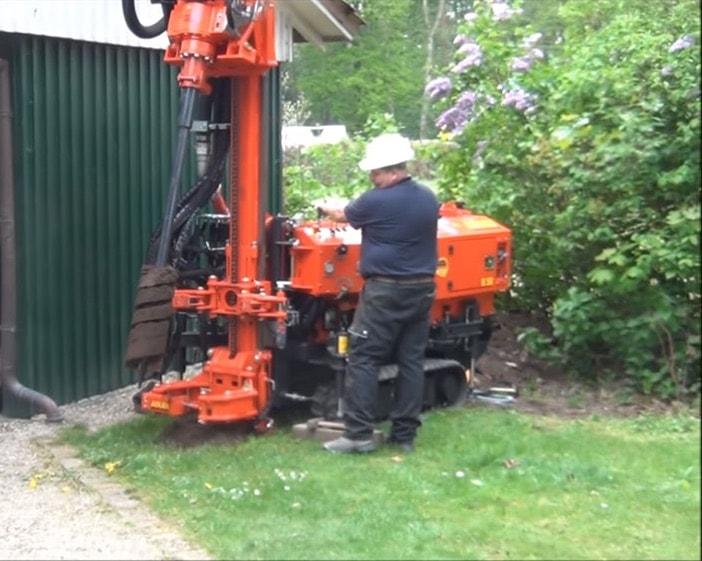 Малогабаритная установка для бурения скважин на воду